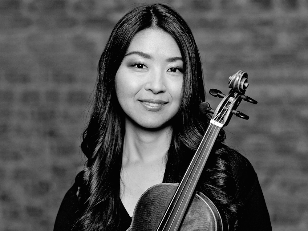 Mayumi Hirasaki, violin